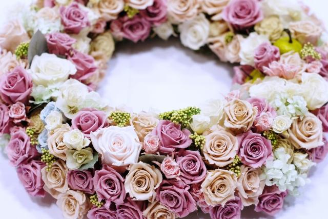 プリザーブドフラワーを記念日のプレゼントに・枯れない花を楽しもう