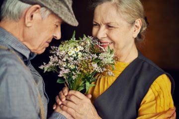祖父母に感謝の気持ち込めてプレゼントを贈りたい!喜ばれる花束の選び方と贈り方
