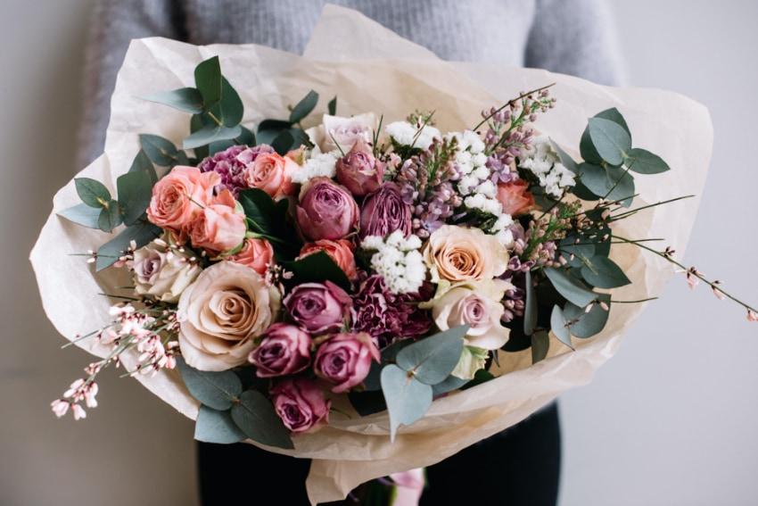 女性に贈る花束の選び方