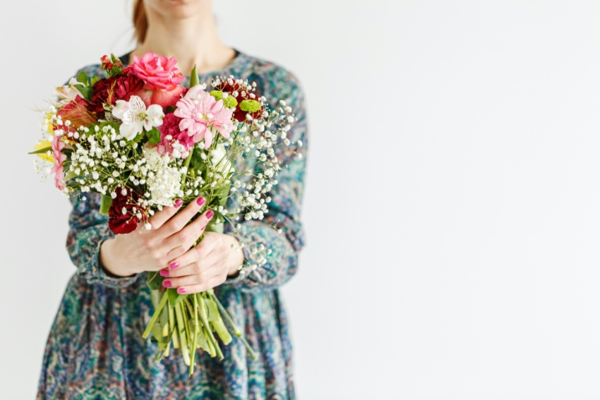 どうして記念日に花を贈るの?