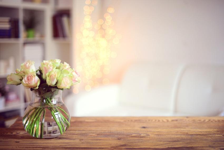 個性的な花瓶を使って存在感を出す