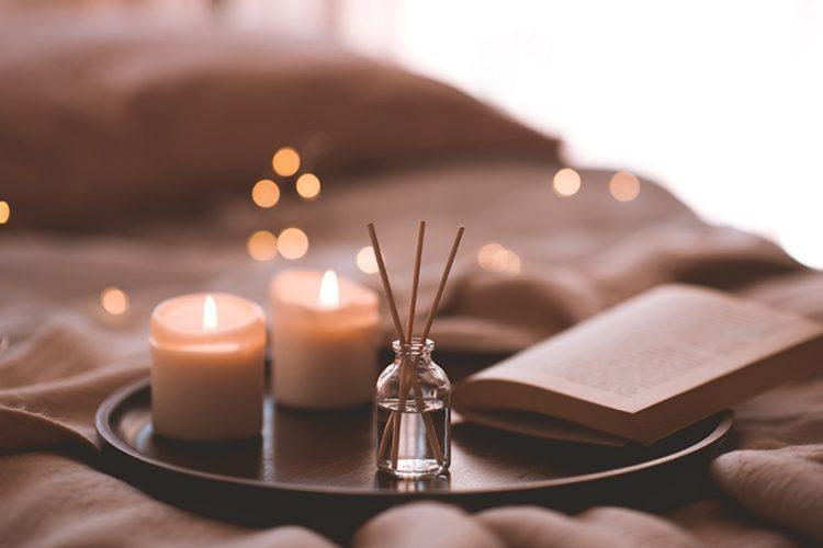 あなたに合うルームフレグランスはどんなタイプ?素敵な香りで癒しの空間作りを