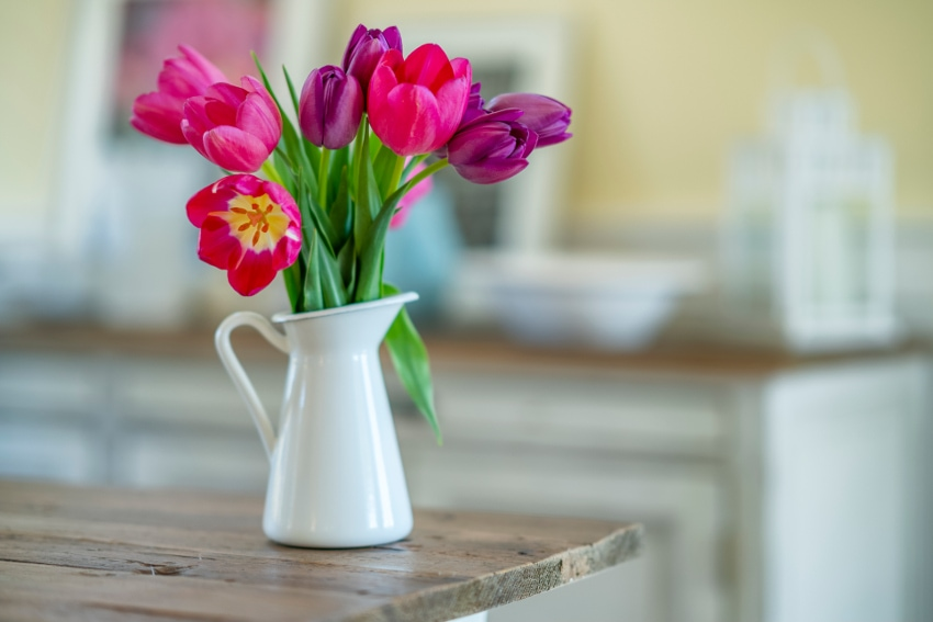 花の向きは自然のままで