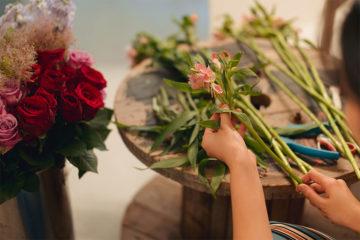 花のある暮らしで癒され空間を手に入れよう!おうち時間の充実にも