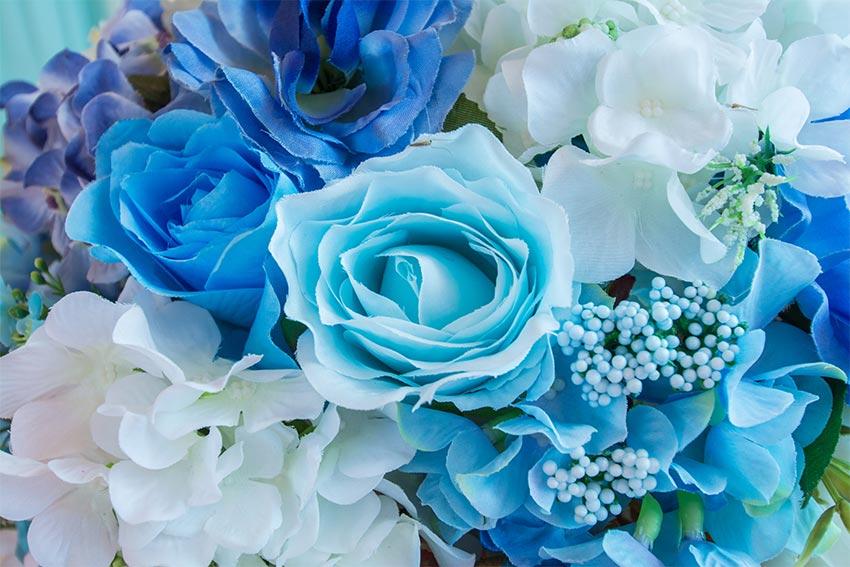 ブルー系やホワイトで!爽やかな色合いもおすすめ